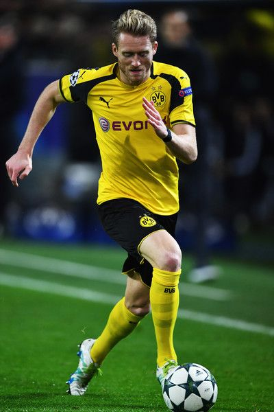 André Schürrle of Dortmund in action during the UEFA Champions League match between Borussia Dortmund and Legia Warszawa at Signal Iduna Park on November 22, 2016 in Dortmund, North Rhine-Westphalia.