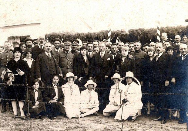 Atatürk'ün arşivlerden çıkan son fotoğrafları