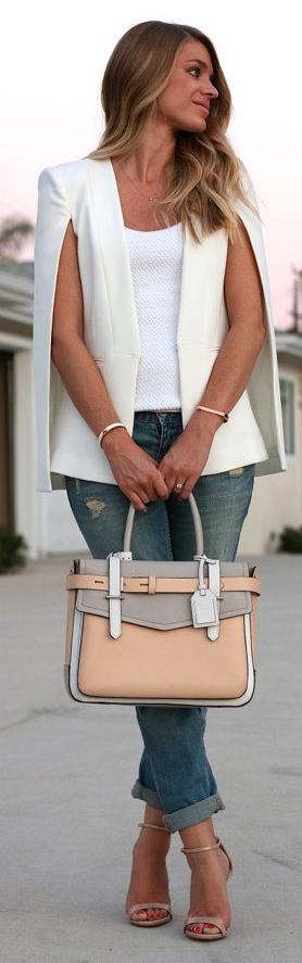 Street style | White cape blazer with color block neutral tote bag