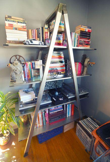 Great book shelf solution: Hollywood Royalty, Ladder Bookshelf, Design Specialist, Hollywood Glamour, Apartment Interiors, Books Shelf, Books Shelves Bookshelves, Bookshelf Ladder, Houses Tours