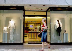 consejos para una fachada de negocio atractiva: Collection Vintage, Chanel Costume, Vintage Wardrobe, Fachada De, Vintage Costume Jewelry, Chanel Eyeglasses, Fachada Frontal, Custom Decals, Vintage Chanel