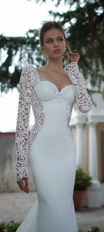 The perfection of Berta wedding dress