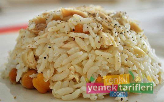 Tavuklu Pilav Tarifi tavuklu pilav tarifi,tavuklu pilav nasıl yapılır,pilav tarifi,mevlüd pilavı,düğün pilavı,pirinç pilavı,yemek tarifleri,recipes,rice meal http://renkliyemektarifleri.com/category/yemek-tarifleri