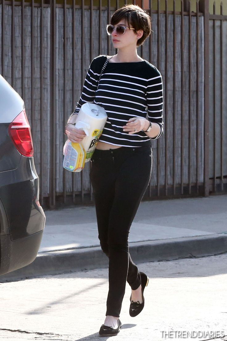 Anne Hathaway at Cafe Gratitude in Venice, California - March 4, 2013
