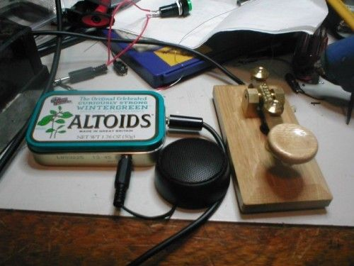 22 ways to reuse an altoids can. some are stupid, but some are genius.