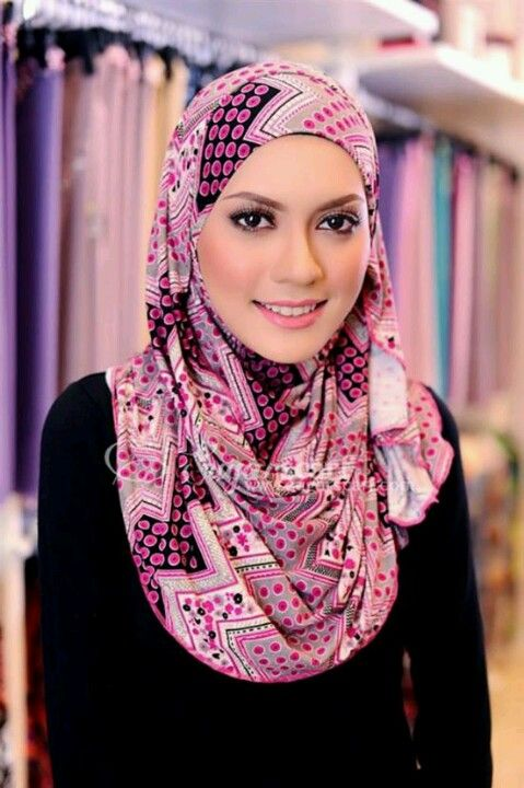 Who wouldn't like this abstract design hijab....