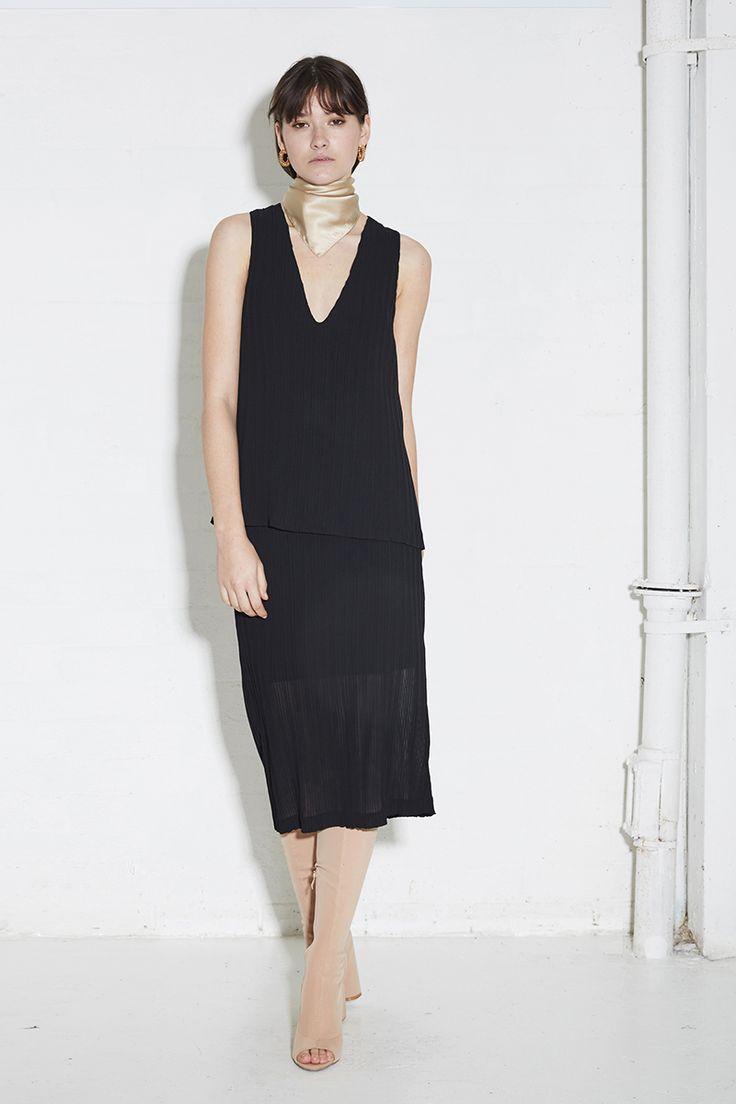 THIRD FORM SPRING 16 'THE KNOWING MINI'  #thirdform #fashion #streetstyle #style #minimal #trend #minimalfashion #black #cotton