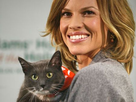 Hilary Swank and her cat