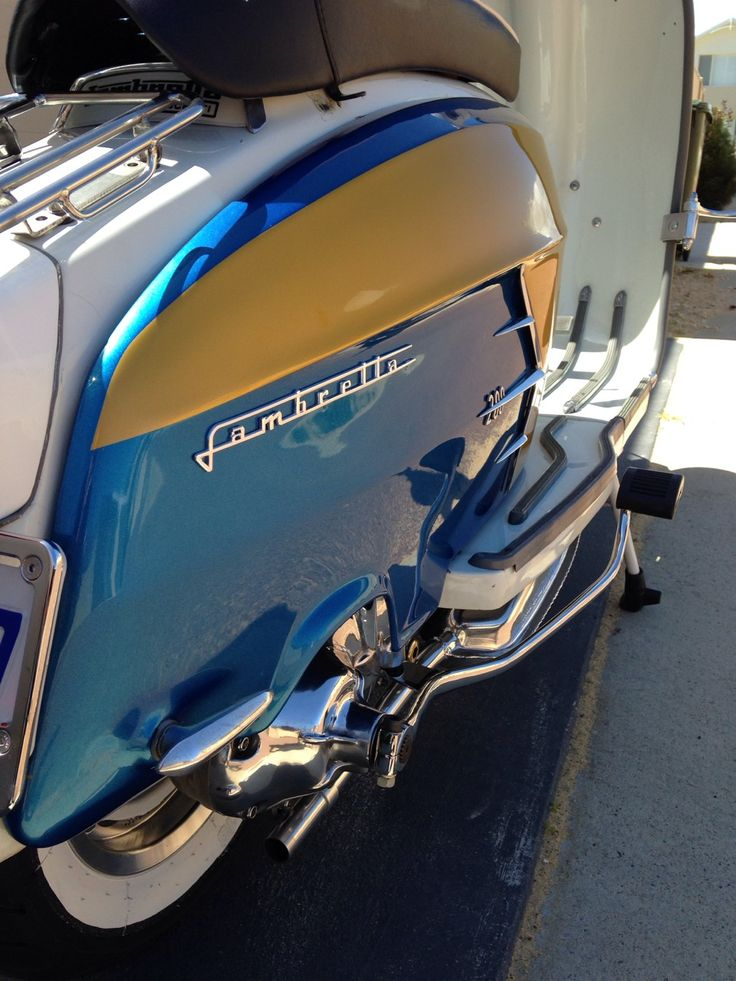 Lambretta, I can never understand why people only take half a picture.