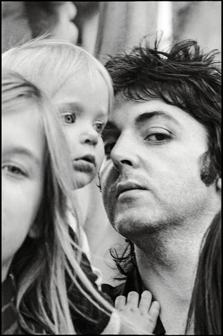 Paul MC Cartney/ photographer : Linda Mc Cartney                                                                                                                                                                                 Plus