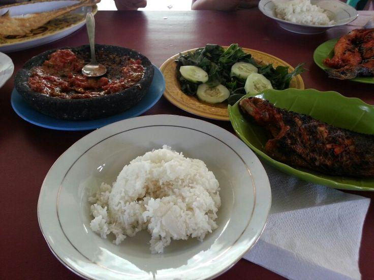 Makan siang yang enaaak alhamdulillah