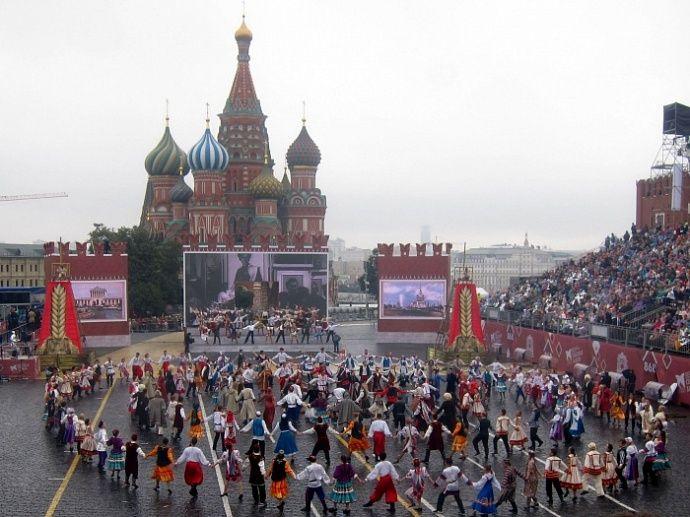 Число «869» из пяти колец будет символом Дня города в Москве