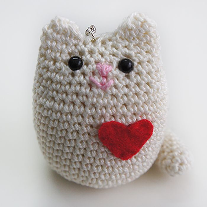 Amigurumi Llavero Tutorial : 154 best images about LLAVEROS on Pinterest Free pattern ...