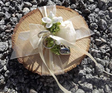 Ringkissen Ringhalter Holzscheibe creme für Eheringe Hochzeit Liebe aus Holz