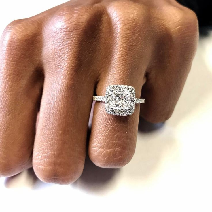 What a lucky girl @nizzypj is! She is rocking her princess cut diamond on a double edge cushion halo engagement ring! You all see how clean that halo is and how right it is. Amazing! #diamond #diamonds #wedding #weddings #engagement #ring #rings #bride #brides #jewellery #jewelry #halo #diamondboi