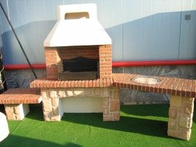 Кирпичная печь барбекю на даче