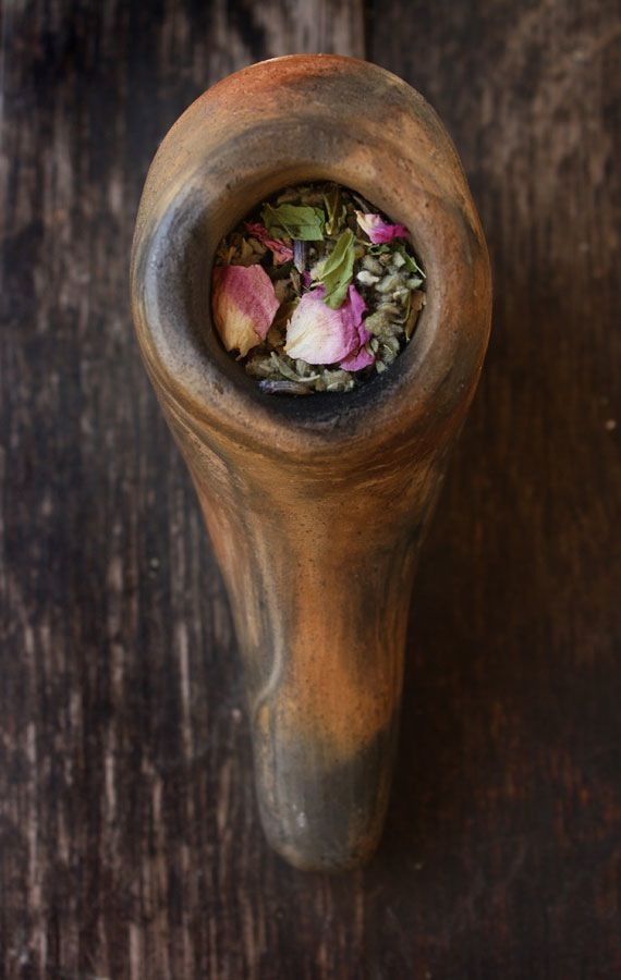 ABOUT:A beautiful smoke to share with your lover, this blend is also perfect for elevating the mood among friends. I like to take this pipe tea with me to festivals, parties, camping trips, and spaces where other smoke might not be welcome. The sweet floral notes of rose and lavender combined with spicy damiana and mellow passionflower creates a pleasant aroma anyone can enjoy, while encouraging feelings of affection and closeness.This smoking mixture can be smoked in a pipe, ...