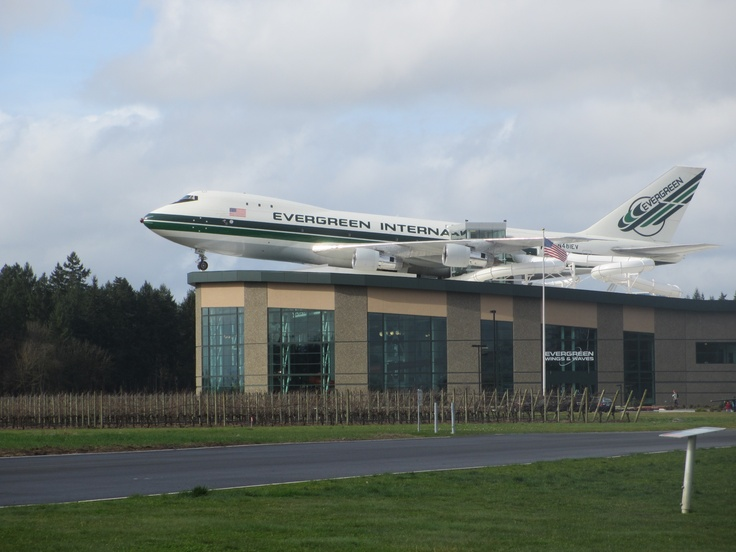 evergreen aviation museum (and water park); 747 building