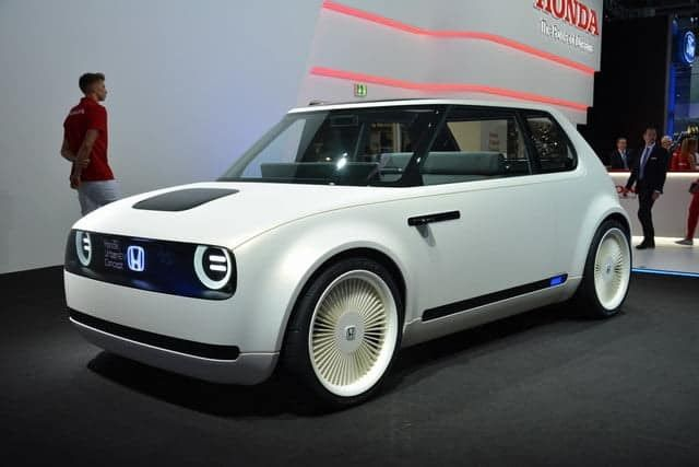 The New Honda E Is An Innovative Electric Vehicle Created For The City Hondas Most Powerful All Electric Vehicle Is Currently In 2020 Honda New Honda Tokyo Motor Show