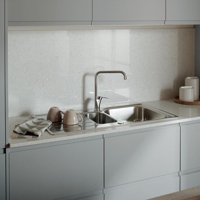 Clerkenwell Super Matt Grey Howdens Joinery Integrated Handles Kitchen Kitchen Cabinets In Bathroom Matt Kitchen Cabinets