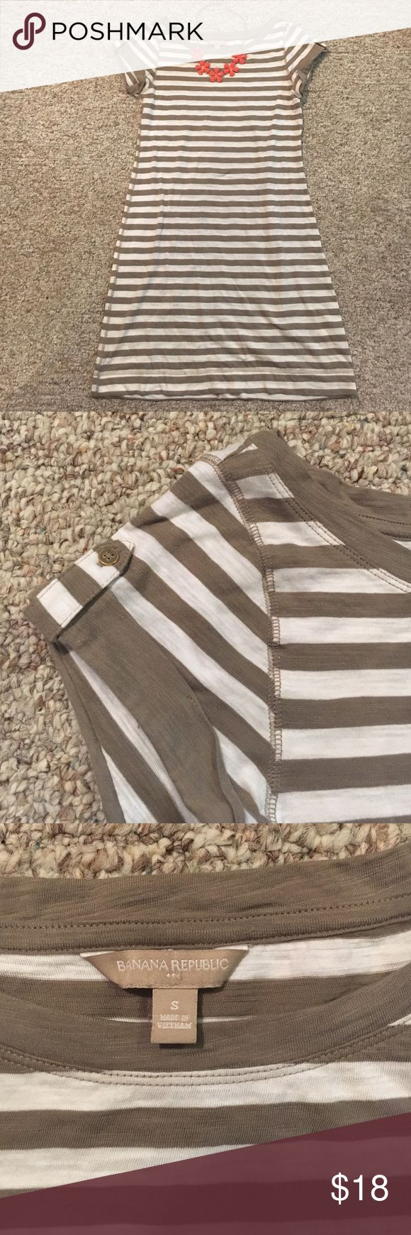 Banana Republic Tshirt Dress Banana Republic Tshirt Dress, size S, grey and white stripped, conservative neckline and hits a little lower than mid thigh Banana Republic Dresses
