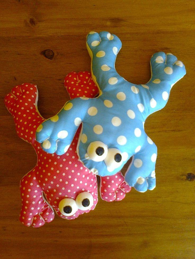muñecos de trapo para bebes - ranas y sapos