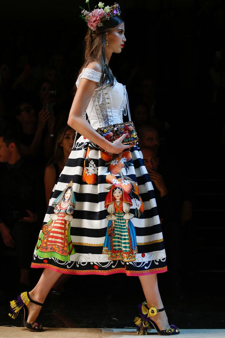 Dolce & Gabbana - Spring 2017 Ready-to-Wear                                                                                                                                                                                 More