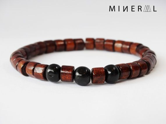 Bracelet pour homme en billes de bois par MNRL sur Etsy