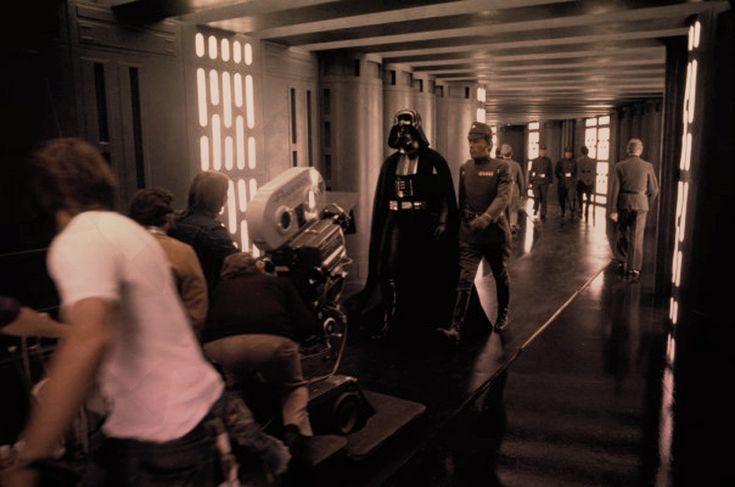 Star Wars, des films indépendants :   http://www.le-toaster.fr/toast/star-wars-films-independants/
