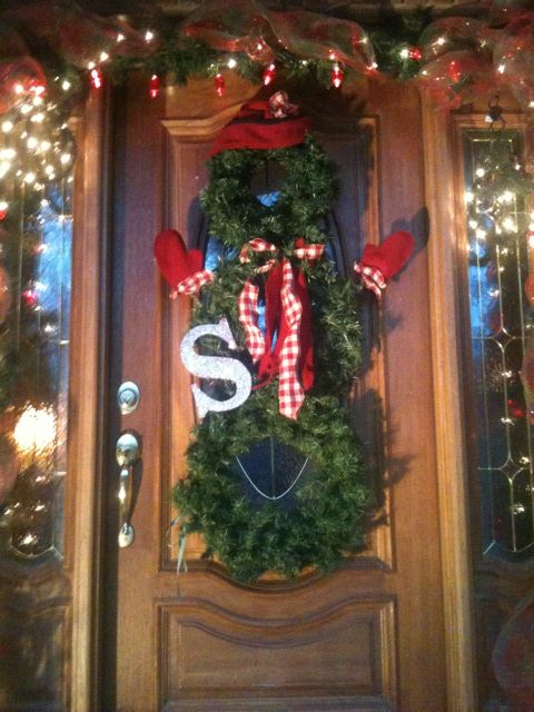 Christmas door decorations on pinterest for Decoration 4 life