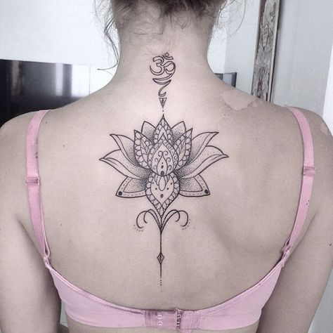 "Flor de lotus com ""om"" estilizada! Valeu a confianca! #art #arte #ink #inked… Change om symbol to motherhood one?"