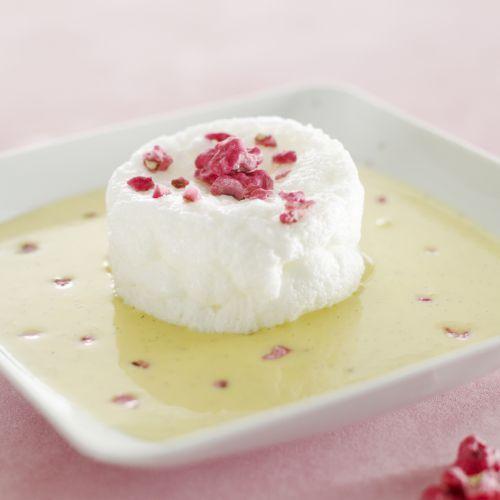 Découvrez la recette du chef Christian Tetedoie du restaurant Christian Tetedoie : Œuf à la neige et Pralines roses