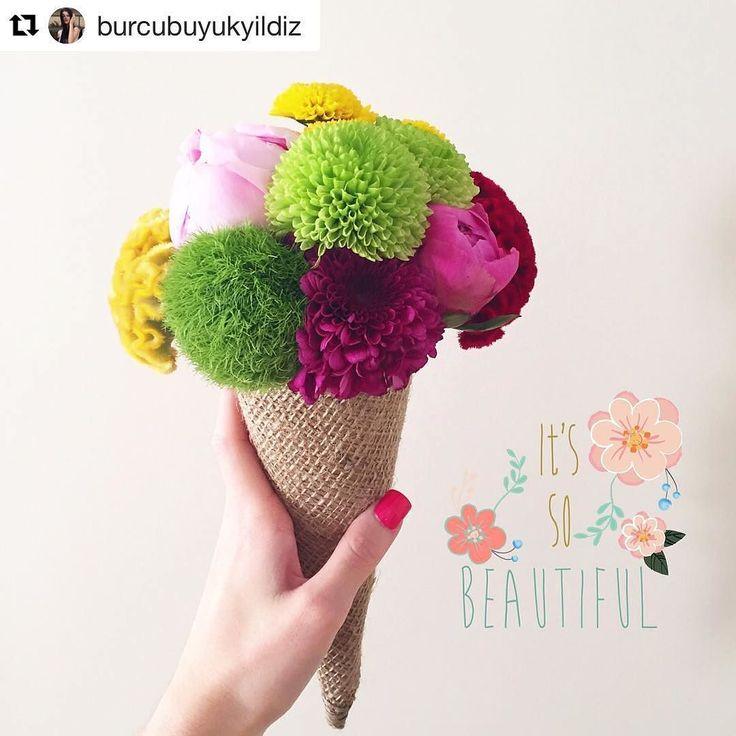 Süper bir hafta sonu dileriz!  #Repost @burcubuyukyildiz (via @repostapp)  Külahta en sevdiğim çiçek pembe şakayıklar... Ve mutlu cuma...  yiyesim var ama bunu...