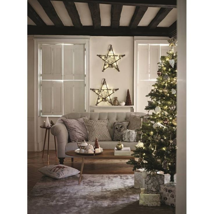 Christmas Lifestyle : Rustic style living room by M&S