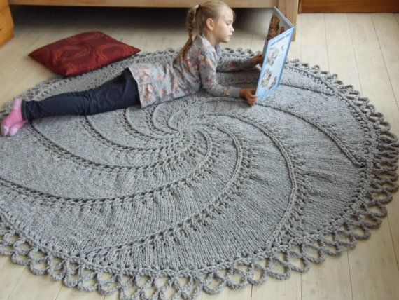 75'' Big Stitch Hand-knitted Woolen Rug natural gray round spiral with a crocheted edge. Mega Big Knitting.