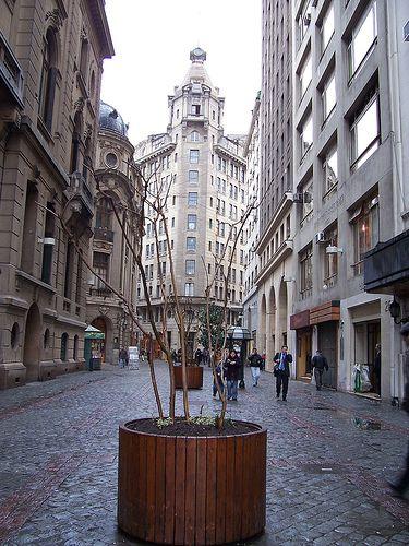 Calle Nueva York, Santiago, Chile.