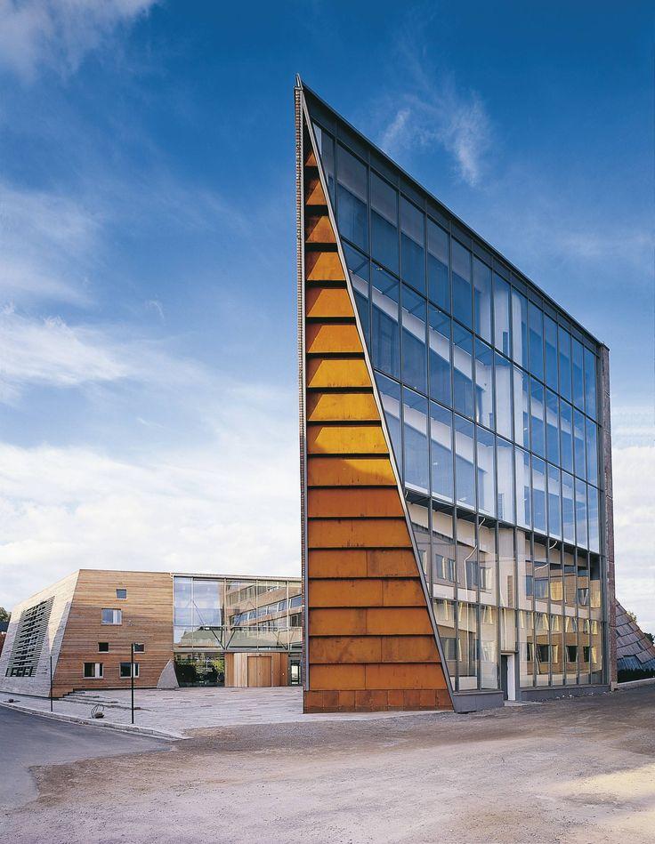 Town Hall   Hamar, Norway   Snohetta   photo by Damien Heinisch
