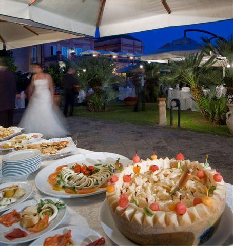 """Un Buffet di Lusso a """"Villa Signorini""""!!!"""