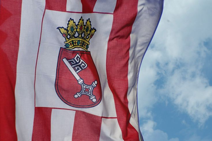 """Die """"Dienstflagge"""" mit dem Bremer Schlüssel."""