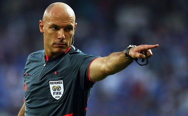 The referee are the persons in charge that there is fair play. When a player doesn´t play clean the referee should decide if they have make foul or not.