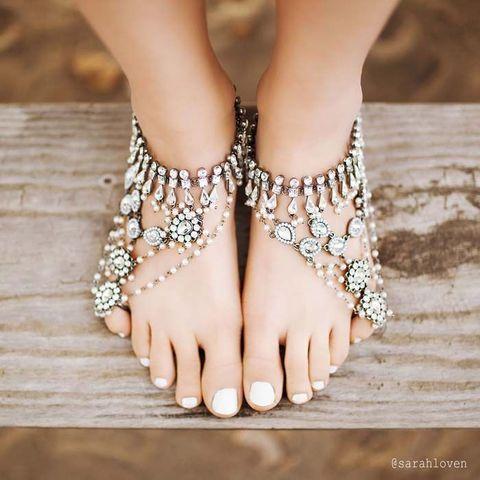 Ponad 25 najlepszych pomysw na pinterecie na temat beach 50 beach wedding sandals and foot jewelry ideas happywedd junglespirit Gallery