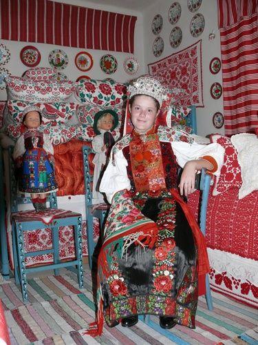 Zsoboki népviselet és kalotaszegi szoba
