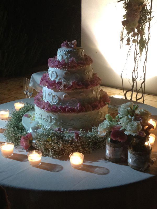Vintage wedding cake by SposiamoVi Puglia
