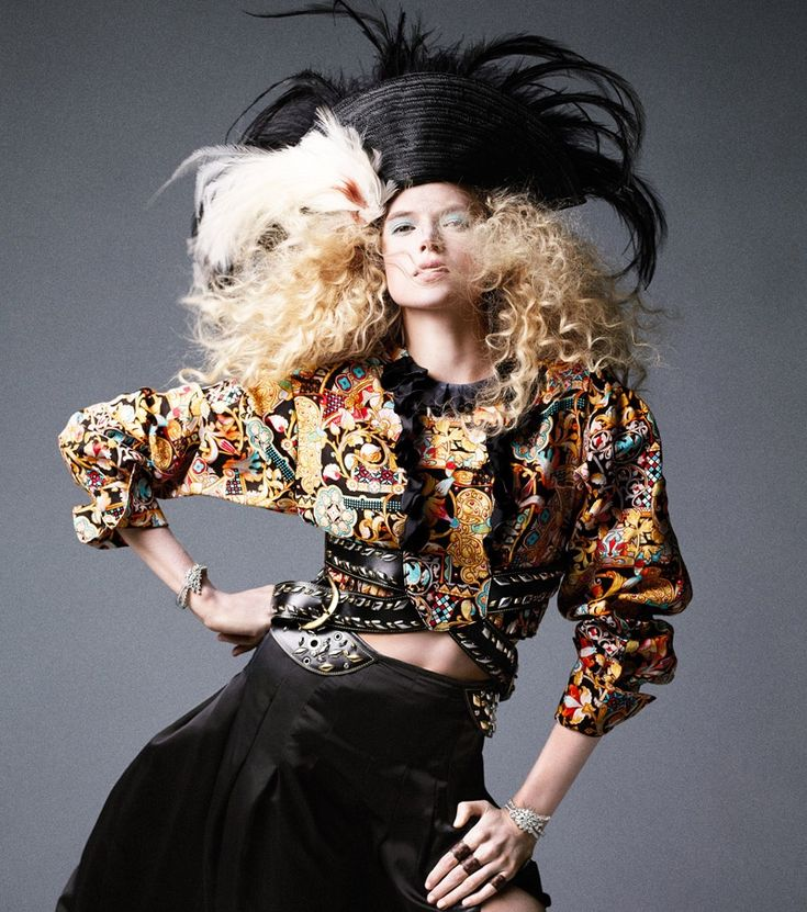 Carine-Roitfeld-Pirates-Princesses-BAZAAR-Fashion03