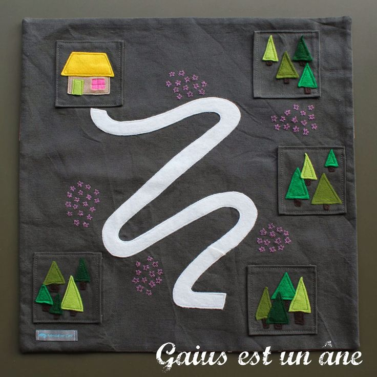Gaius est un âne: Dans une petite maison, tout près de la forêt...
