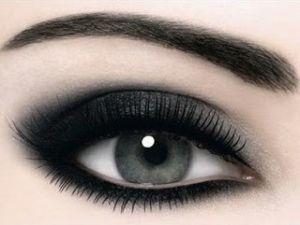 Black smokey eye by suzanne