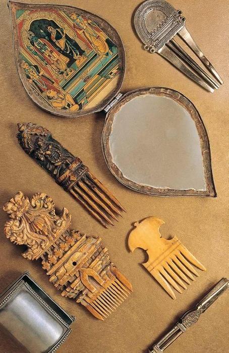 Vintage Indian combs