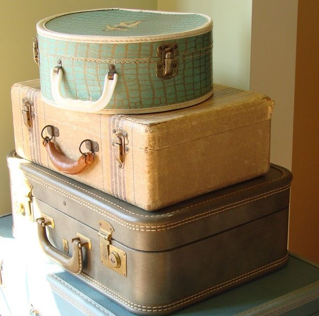 17 Best images about Antique Suite. cases on Pinterest | Vintage ...