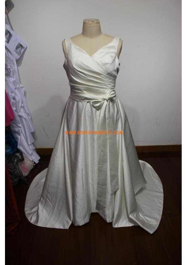 Robe A-line avec bretelles en satin ornée de plis et de ruban robe de mariée grande taille