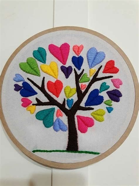 Embroidery Hearts, Embroidery Flowers Pattern, Embroidery Works, Creative Embroidery, Simple Embroidery, Hand Embroidery Stitches, Beaded Embroidery, Cross Stitch Embroidery, Machine Embroidery